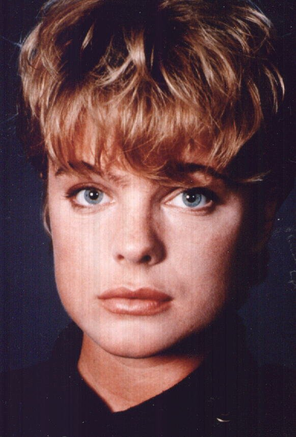 Erika Eleniak By Elman Under Siege